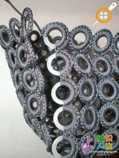 tig-ile-halkalardan-canta-yapimi- tig-ile-halkalardan-canta-yapimi- Make a bag out of crochet rings - Mode Crochet, Bag Crochet, Crochet Handbags, Crochet Purses, Crochet Stitches, Crochet Patterns, Purse Patterns, Diy Bags Purses, Diy Purse
