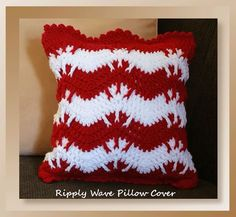 Free crochet pattern: Ripply Wave Pillow Cover by Crochet Memories #HolidayStashdownCAL2016