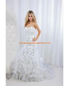 Prinzessin luxuriöse Brautkleider aus Taft Ruffle und Applikation mit Schleppe