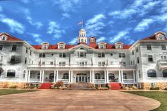 The Stanley Hotel in Estes Park, Colorado. The Stanley Hotel hosted horror novelist Stephen King, inspiring him to write The Shining. He stayed in room Estes Park, Westminster, Vacation Destinations, Vacation Spots, Places To Travel, Places To See, Denver, The Stanley Hotel, Unique Vacations