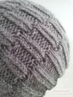 Gestrickte Mütze im rechts/links Muster mit doppeltem Faden aus Baby Alpaka Wolle von Wolle Rödel 3