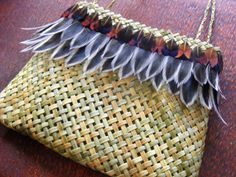Kura Gallery Maori Art Design Weaving Anna Gedson Flax Weaving, Basket Weaving, Hand Weaving, Maori Designs, Maori Art, Kiwiana, Native Style, Weaving Techniques, Fashion Art