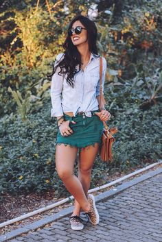 Top| Shirt| Blouse| Denim| Blue| Light| Front knot| Front tie| Tie Front| Long sleeve| Skirt| Mini| Green| Dark| Short| Leg| Shoes| Flats| Converse| Sneakers| Vans| Leopard| Bracelet| Black| Multiple| Ring| Silver| Stacked| Bag| Purse| Shoulder bag| Brown| Nail| Red| Summer| Spring| P819