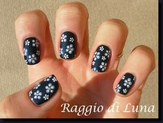 Raggio di Luna Nails: Flowers on moonlight