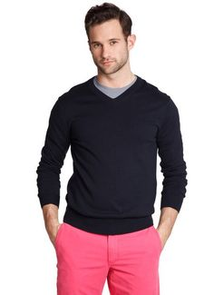 Navy & pink - great combo!  Now let's just find a straight guy that wears something similar.......