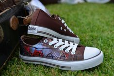 Casual high quality canvas shoes with famous destinations from around the world. Chuck Taylor Sneakers, Netherlands, Bicycle, Canvas, Shoes, Fashion, The Nederlands, Tela, Moda