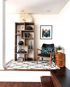Levels #furniture #woodwork #wood #details #neutral #interior #decor #design #stairs #lines #light #contrast #pibusblend #inspiration #homedecor #corner de pibussblend