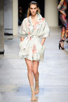 Leonard Spring 2015 Ready-to-Wear - Collection - Gallery - Look 11 - Style.com