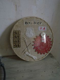 hoop - broder Expo 2020, Shabby, French Decor, Globes, Collage Art, Picture Frames, Repurposed, Embroidery, Scrappy Quilts