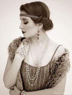A 1920s Gatsby Christmas Party • Sara du Jour http://www.saradujour.me/2014/12/a-1920s-gatsby-christmas-party/
