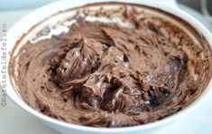 crema de cacao cu unt Nutella, Ganache, Cacao Nibs, Peanut Butter, Deserts, Food And Drink, Dessert Recipes, Unt, Candy