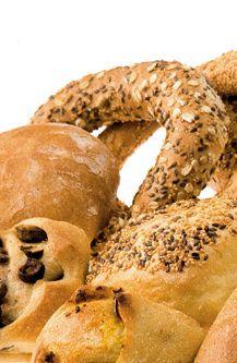 Διαλέξτε 4 γευστικά μικρά... θαύματα μόνο με 1€ Bagel, Bread, Food, Breads, Hoods, Meals, Bakeries