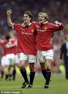 Neville and Beckham formed a great partnership during their time together at Manchester United Best Football Team, Chelsea Football, Chelsea Fc, Football Players, Football Pics, Retro Football, Manchester United Fans, Man Utd Squad, Soccer News