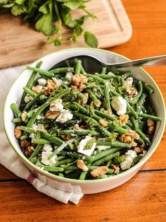 salade de haricots verts à la feta, menthe et noix – string bean salad with walnuts, feta and mint of Veggie Recipes, Salad Recipes, Vegetarian Recipes, Healthy Recipes, Bean Recipes, Shrimp Recipes, Chicken Recipes, Healthy Cooking, Healthy Snacks