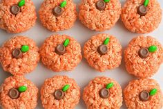 These rice krispie treat pumpkins are ADORABLE and they're really easy to make! They'd be perfect for a Halloween party snack, or even Thanksgiving!