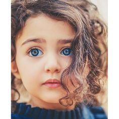 Beautiful Baby Girl, Beautiful Children, Baby Love, Cute Baby Girl Wallpaper, Cute Couple Wallpaper, Cute Kids Photography, Creative Portrait Photography, Cute Baby Dolls, Cute Babies