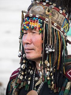 "https://flic.kr/p/rPHtac | Ritual at the shaman ... | Kyzyl - capital of Tuva - Siberia - ""Republic of Tuva"" Siberia, kamlanie, ritual, Russia, shaman, Sjamaan, Tuva   Welcome to the shaman. Shaman - ceremony Shamans'kamlaniye - Kamlanie is a magical communication between shamans and spirits. Accompanied by the sound of drum, the shaman emits sounds resembling to voices of a crow or a cuckoo-bird. These are magical birds which empower the shaman to sing his incantations. He is sitt..."