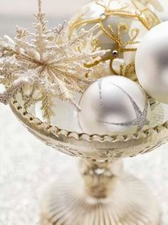 White, gold and silver Christmas decorating ideas - Happy Holidays Everyone!