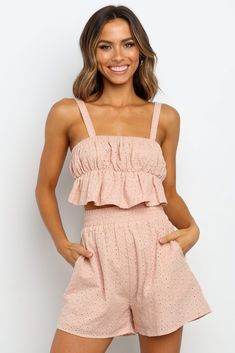 Cute Summer Outfits, Casual Outfits, Cute Outfits, Girl Outfits, Look Fashion, Fashion Outfits, Fashion Ideas, Night Dress For Women, Neutral Outfit