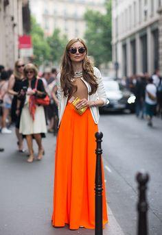 Atrévete a utilizar el naranja en alguna de tus prendas en esta temporada. Recuerda combinarlo con un color neutral, como beige o blanco para balancear tu outfit.   Visita nuestra pagina para complementar tu look naranja con los zapatos y bolsa ideal: http://www.torreblanca.com.gt/