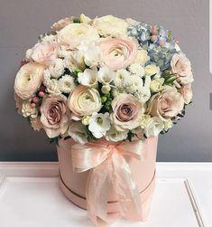 You deserve this.floral bouquet in hat box centerpiece Bouquet Box, Spring Bouquet, Flower Bouquet Wedding, Rose Bouquet, Hat Box Flowers, Flower Boxes, Silk Flowers, Box Roses, Deco Floral