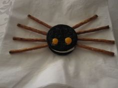 for halloween-oreo spider