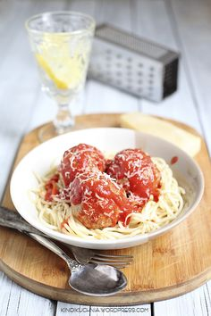 spaghetti with meatballs | food photography