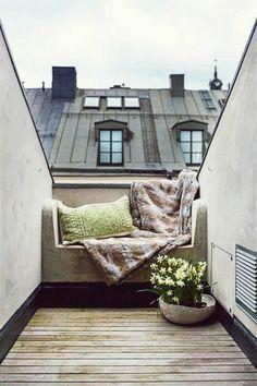 Chambre fenêtre de toit vue jolie