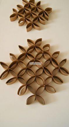 SimpleJoys: Tissue Paper Roll Craft
