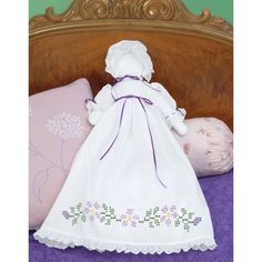 JACK DEMPSEY-Pillowcase Doll Cross Stich Kit. These simple dolls have delighted big and little girls alike for generations! The stitching design has been stamped using ink that washes away with any li