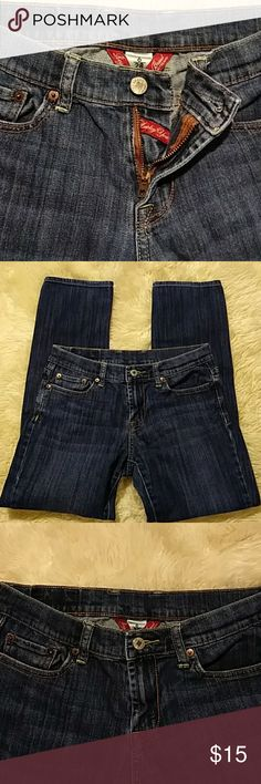 """LUCKY BRAND Straight Leg Jeans Size 28 More stuff from my closet. Lucky you! Gently used and in great condition. A pair of very comfortable jeans by Lucky Brand called (melrose sweet n straight). You can never have enough jeans. Dress it up or dress it down. These are a size 6/28. Check """"your size"""". Measurements: (laying flat) Waist 15 inches, Hips 18.5 inches, Front rise 8 inches, Length (inseam) 27 inches, Bottom of the jeans almost 7 inches. Comes from a smoke free home. Sorry no trades…"""