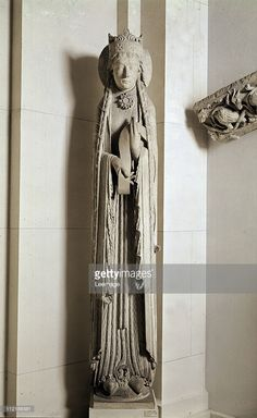 Fine art : Column statue from the Church of Notre Dame of Corbeil (Essonne), representing the Queen of Sheba. Limestone, H235 cm, 12th century. Musee du Louvre, Paris, France