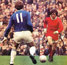 Man Utd 3 Leicester City 2 in May 1969 at Old Trafford. George Best looks to do something special #Div1