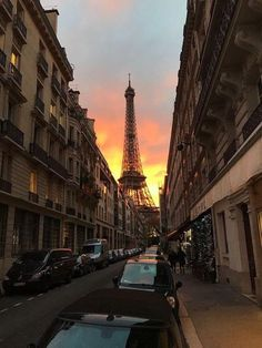 someone wanna go with me on a long train ride through France and Italy and stop at little cafés and eat at corner restaurants and spend our nights drinking on the balcony of our hotel room . City Aesthetic, Travel Aesthetic, Places To Travel, Places To See, Torre Eiffel Paris, Belle Villa, Paris Travel, Beautiful Places, Beautiful Gorgeous