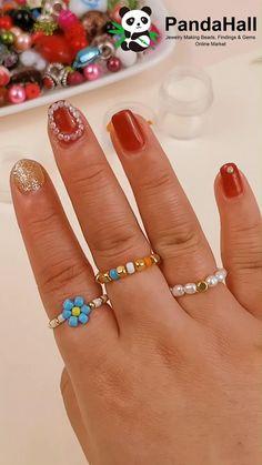 Handmade Wire Jewelry, Beaded Jewelry Designs, Diy Crafts Jewelry, Diy Jewelry Findings, Bracelet Crafts, Bead Jewellery, Diy Beaded Rings, Diy Rings, Diy Bracelets Easy