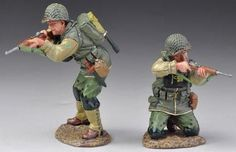 World War II U.S. 2nd Ranger Battalion USA003 Standing & Kneeling Firing Wet Look - Made by Thomas Gunn Military Miniatures and Models. Factory made, hand assembled, painted and boxed in a padded decorative box. Excellent gift for the enthusiast.