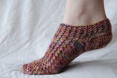 Ravelry: Simple Summer Socks pattern by Liz Pankratz