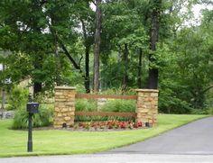 Larson – Driveway Entrance Landscaping