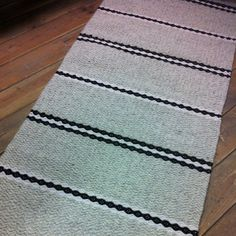 SALE Gray woollen rug, warm and soft. Sheep Wool, Floor Rugs, Loom, Hand Sewing, This Or That Questions, Grey, Bedrooms, Handmade, Black