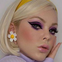 Hippie Makeup, Goth Makeup, Makeup Inspo, Makeup Inspiration, Makeup Ideas, Makeup Geek, 1960s Makeup, Retro Makeup, Vintage Makeup Looks