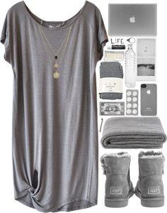 Cozy life. par tamy55 utilisant bijoux en quartzHumanoid shirts top / Falke tight, $41 / UGG Australia lambskin boots, $235 / LowLuv bijoux en quartz / NLY Accessories silver jewelry, $20 / pill towels / IVANO REDAELLI Gillian Blanket / Incase Snap Case V2 for iPhone 4S, $37 / glass water bottle