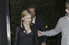 Мама довольна: Мадонна проводит время с сыном Рокко в Лондоне http://womenbox.net/stars/mama-dovolna-madonna-provodit-vremya-s-synom-rokko-v-londone/    Звездные дети   Мама довольна: Мадонна проводит время с сыном Рокко в Лондоне         Лиза Сезонова        784    1 июля 2016, 17:18  Мадонна