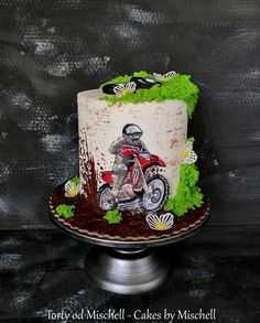 Motocross by Mischell Motocross Cake, Motorcycle Birthday Cakes, Motorcycle Cake, Dirt Bike Cakes, Dirt Bike Party, Mountain Bike Cake, Liverpool Cake, Cross Cakes, Hand Painted Cakes