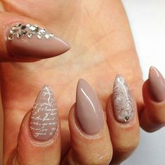Stiletto manicure designs you must try this summer