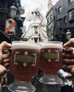 Anyone fancy a Butterbeer? (IG Cred: @ cintacii) Anyone fancy a Butterbeer? (IG Cred: @ cintacii) The post Anyone fancy a Butterbeer? (IG Cred: @ cintacii) appeared first on Paris Disneyland Pictures. Universal Orlando, Universal Studios Florida, Disneyland Paris, Disneyland Food, Slytherin, Hogwarts, Orlando Miami, Harry Potter Pictures, Harry Potter Wallpaper