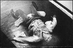 Joseph Beuys in the Action 'Mainstream', ph. Ute Klophaus, 1967
