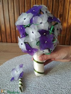 Wedding bouquet from hydrangea Alternative Wedding, Hydrangea, Wedding Bouquets, Flowers, Diy, Bricolage, Florals, Hydrangea Macrophylla, Diys