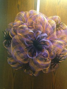 Spider mesh wreath