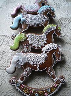 Christmas Gingerbread Men, Christmas Treats, Gingerbread Cookies, Christmas Baking, Fun Cookies, Holiday Cookies, Gingerbread House Designs, Cupcake Images, Cookie Tutorials