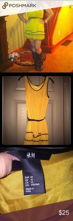 Dress with belt Mustard yellow dress with belt for detail. H&M Dresses